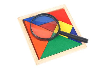 jigsaw tangram: Tangram and magnifying glass