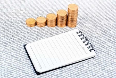 codigo binario: Moneda en el c�digo binario Foto de archivo
