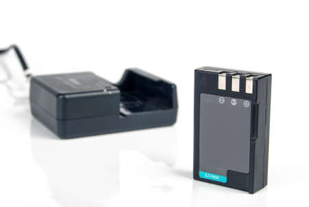 rechargeable: Li-ion battery