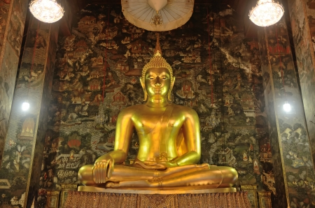 Golden Buddha Image in thailand Its famous place for travel