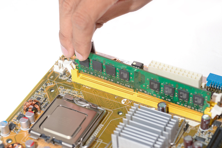 ddr3: techincal put memory ddr3 to mainboard computer