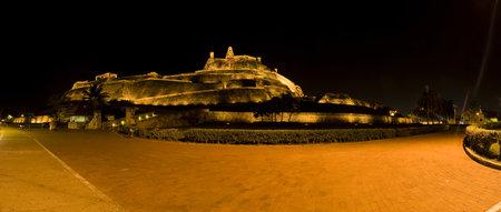 bulwark: Nocturne panorama San Felipe Castle in Cartagena de Indias