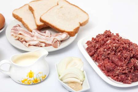 meatloaf: Ingredients to Prepare an Stuffed Meatloaf