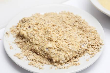 breading: Breading a cordon bleu - adding crumbled cracker