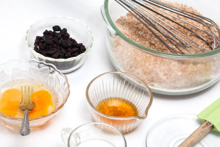 Wheat bran muffins preparation : Mixing ingredients to prepare integral wheat bran muffins
