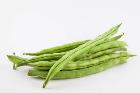 snap bean: Green bean (Phaseolus vulgaris) isolated in white background