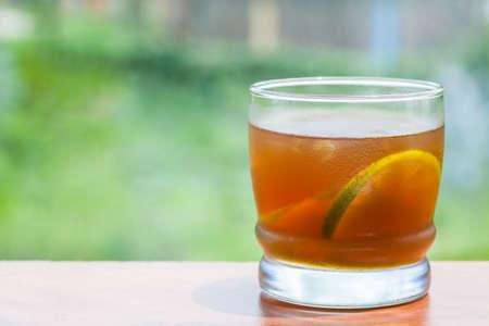 panela: Cold sugarcane-water (aguapanela) with lemon