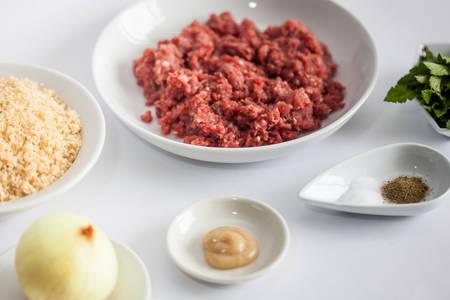 Step by step Levantine cuisine kibbeh preparation : Ingrendients to prepare kibbeh