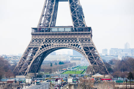 The famous Tour Eiffel at the end of winter