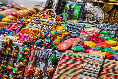 Street sell of Colombian typical handicrafts in the walled city in Cartagena de Indias Editorial