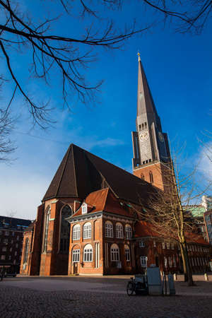 The historic Saint James Church in Hamburg city center 版權商用圖片