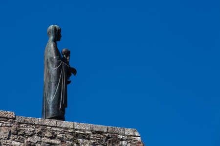 Statue of the Virgin Mary and Jesus at Buda Castle Publikacyjne