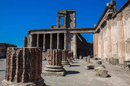 The Basilica of Pompeii in a beautiful early spring day Banque d'images