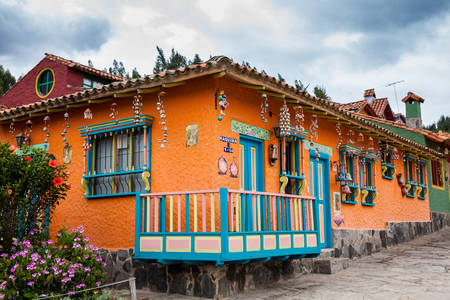 Beautiful facades of the houses at the touristic place called Pueblito Boyacense located in Duitama Редакционное