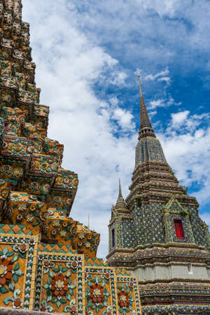 recline: Detailed architecture in Wat Pho, Temple of Reclining Buddha Stock Photo