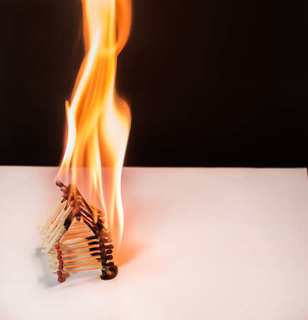 heat loss: Burning matches house - dangerous games with fire ends with accident