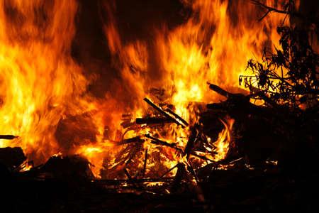 resplandor: Llamas de fuego
