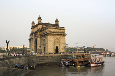 The gateway of India was built in 1926  photo