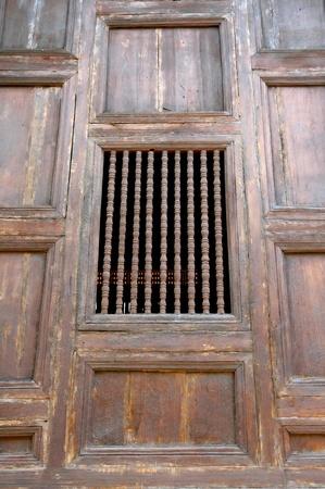 window church: vecchia finestra Chiesa in legno