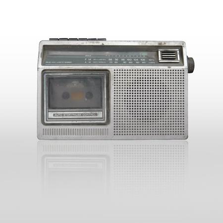 grabadora: antigua grabadora de cassette de radio aislado