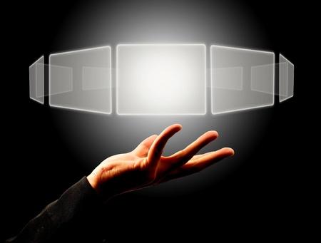 concept images: Imprenditore titolare di un tasto touch screen Archivio Fotografico