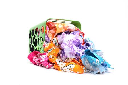 unwashed: panno lavato nel carrello su sfondo bianco