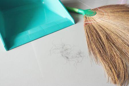 pubic hair fall on bedroom floor Фото со стока