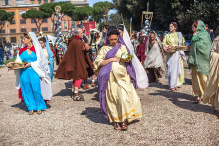 ROME - APRIL 22: Participants of  historic-dress procession prepare for performance at the cultural week on April 14-22, 2012 in Rome Stock Photo - 17025685