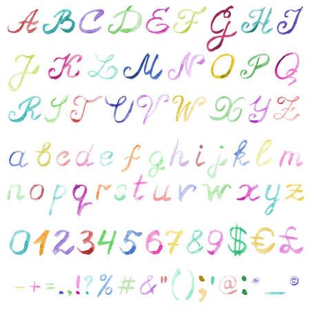 Alphabet d'aquarelle dessiné à la main. Police multicolore manuscrite isolée sur fond blanc. Contient des lettres majuscules et minuscules, des chiffres, des signes de ponctuation et des symboles les plus importants. Une véritable texture aquarelle.