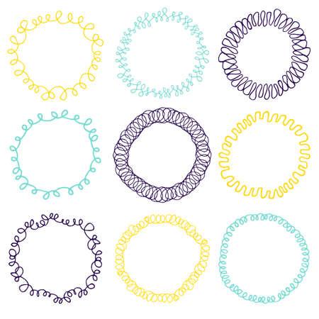 marcos redondos: Conjunto de 9 marcos decorativos círculo. coronas circulares adornados para su uso como elemento decorativo, para la insignia o emblema. Estos pincel de modelo se puede encontrar en mi lista