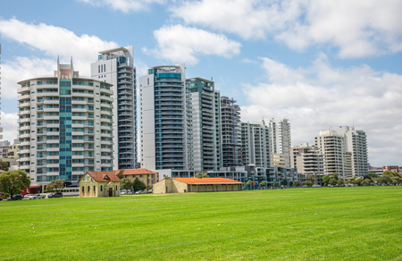 perth: East Perth river view apartment blocks on Terrace Road and Langley park in Perth Western Australia Stock Photo