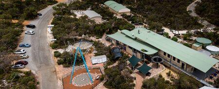gravity: Una vista del centro de gravedad Descubre en Gingin, Australia Occidental Editorial