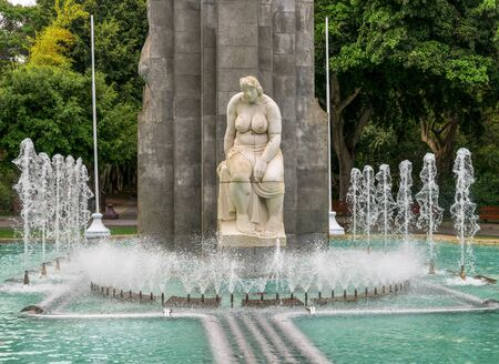 A naked woman sculpture in the middle of the fountain water jets in Garcia Sanabria park, Santa Cruz de Tenerife, Canary Islands, Spain Redactioneel