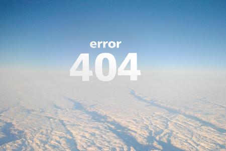 """오류 페이지 404 웹 사이트, 하늘과 구름 항공기에서 볼, 흰색 문자 비문 """"오류 404"""". 분위기, 상위 뷰입니다. 404 오류 알림이있는 웹 페이지"""