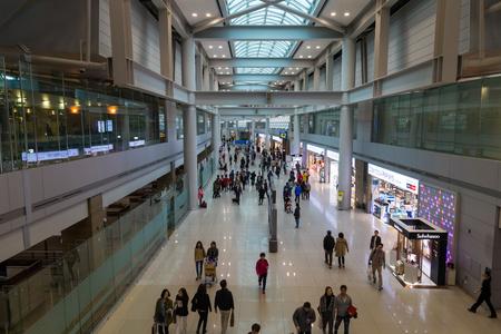 2016 년 3 월 8 일 : 한국, 인천 국제 공항, 여객 터미널, 내부 전망. 에디토리얼