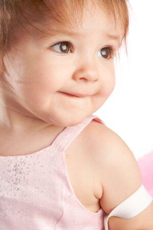 bambini pensierosi: Ritratto di una bambina adorabile, isolato
