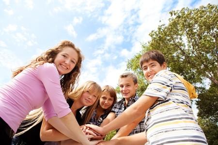 adolescentes riendo: Adolescentes riendo