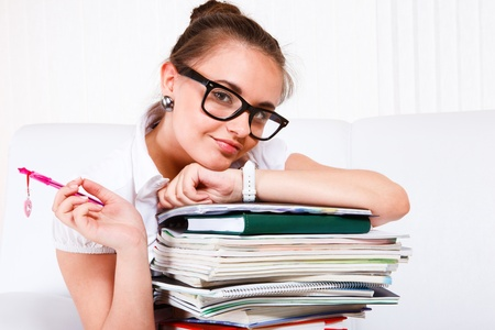 adolescentes estudiando: Retrato de un estudiante de escuela atractivo Foto de archivo