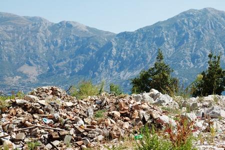 mundo contaminado: Basura en las monta�as