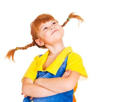 caras de emociones: Orgulloso chica de pelo rojo peque�o con los brazos cruzados Foto de archivo