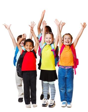 ni�o con mochila: Los ni�os con las manos en alto, aislado