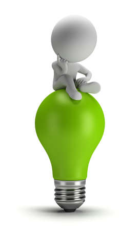 persona: 3 ª persona pequeña sentada en una bombilla de luz verde en una actitud pensativa. Imagen en 3D. Fondo blanco. Foto de archivo