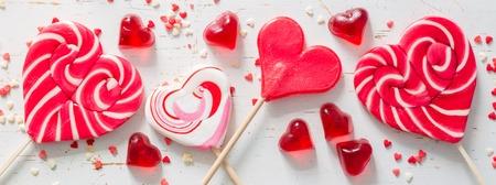 발렌타인 데이 개념 - 모양의 과자 심장 스톡 콘텐츠