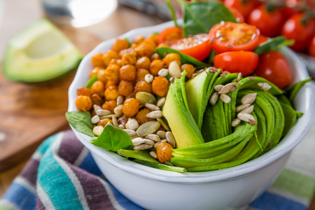 vegeterian: Vegeterian buddha bowl - balanced meat with spinach, chicken pea and avocado Stock Photo