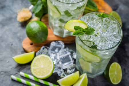 Mojito cocktail and ingredients Stock Photo - 75843208