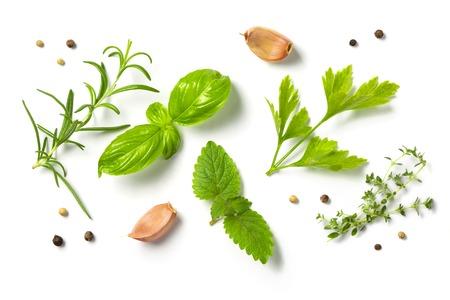 Selectionof kruiden en specerijen, geïsoleerd, bovenaanzicht Stockfoto - 83492882