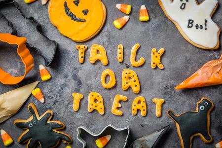Halloween-concept met koekjes en suikergoed Stockfoto