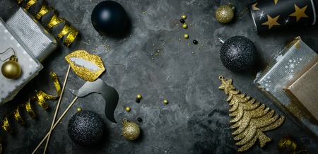Christmas party invitation - silver, gold and black decorations Stockfoto