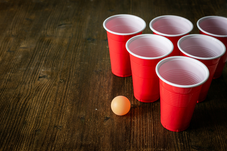 College party sport - ajuste de la mesa de beer pong