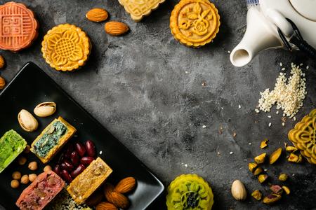 ミッド秋祭りのコンセプト - 素朴な背景にモンケーキをユービング